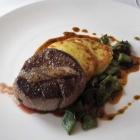 Foto zu Atlantic Restaurant: Rinderfilet/Bohne/Kartoffel/Lardo (Atlantic Taste 49,- € inkl. Hummersuppe/Rinderfilet/ein Glas Atlantic Perle Schloss Vaux Riesling Sekt Brut)