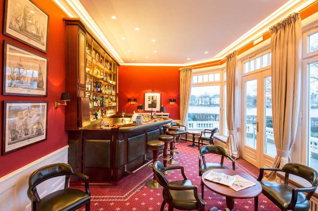 gastronomie p tter im anglo german club restaurant. Black Bedroom Furniture Sets. Home Design Ideas