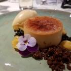 Foto zu Gaststätte Zur Krone: Salzkaramell- Crème Brulée Mirabellen und -Sorbet Mandel Crumble