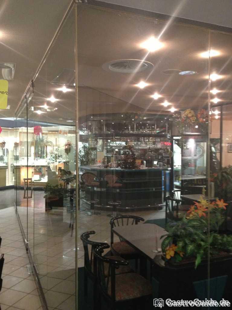 cafe eisbar lmc restaurant in 04357 leipzig. Black Bedroom Furniture Sets. Home Design Ideas