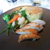 Hähnchenbrust mit Gemüse und Kartoffelgratin