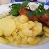 Welsfilet gebacken, mit lauwarmem Kartoffel-Gurkensalat und hausgemachter Remouladensoße für 14,50 €