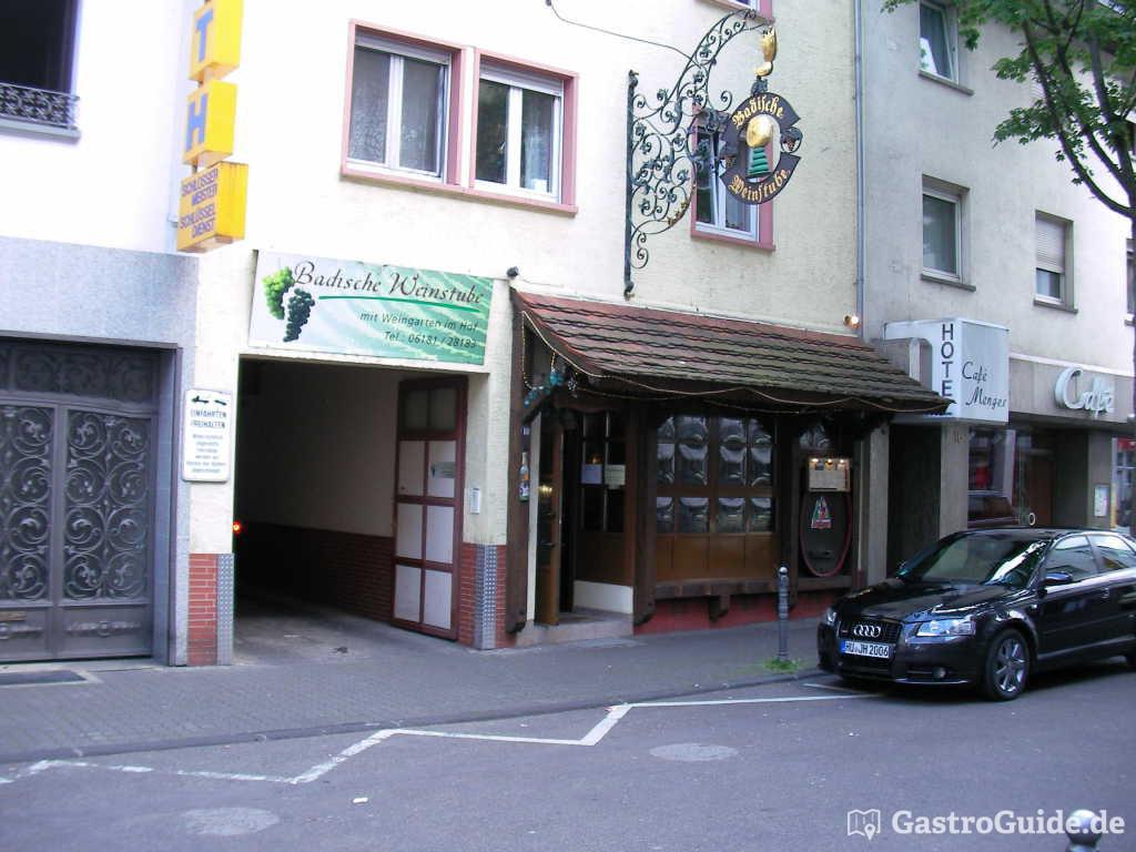 badische weinstube restaurant in 63450 hanau. Black Bedroom Furniture Sets. Home Design Ideas