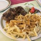 Foto zu Restaurant Zum Hirsch: Fleischküchle mit Spätzle