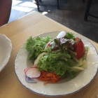 Foto zu Weissbräuhaus Zum Herrnbräu: Gemischter Salat