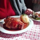 Foto zu Prösslbräu Adlersberg: Schweinshaxen