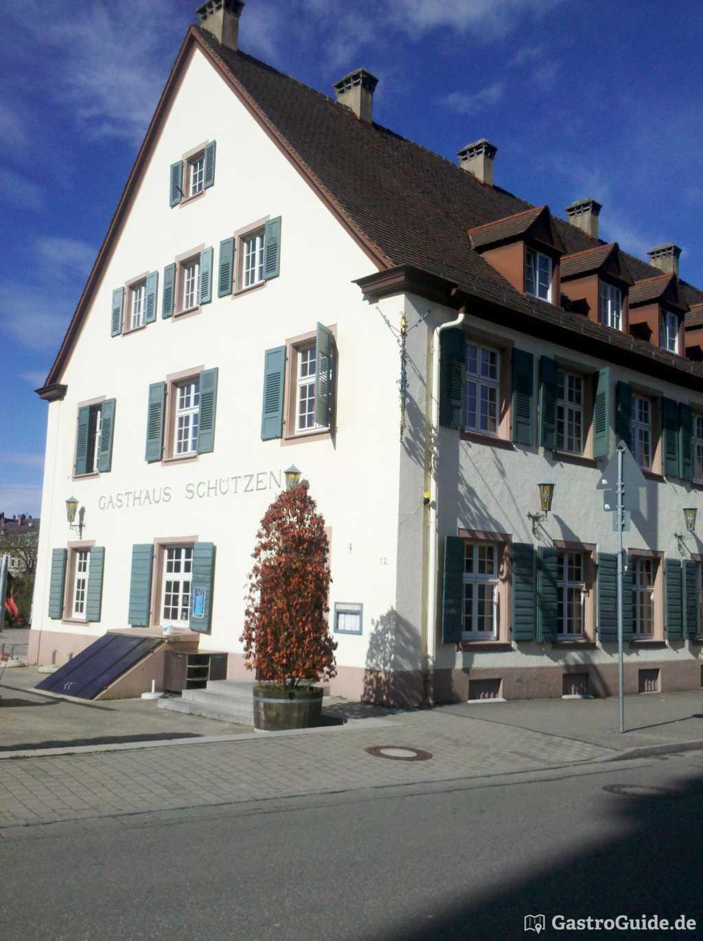 hotel gasthaus sch tzen restaurant in 79102 freiburg im breisgau. Black Bedroom Furniture Sets. Home Design Ideas