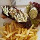 Foto zu Schaab-Louis: 300 gr. Rumpsteak mit Kräuterbutter und Pommeso