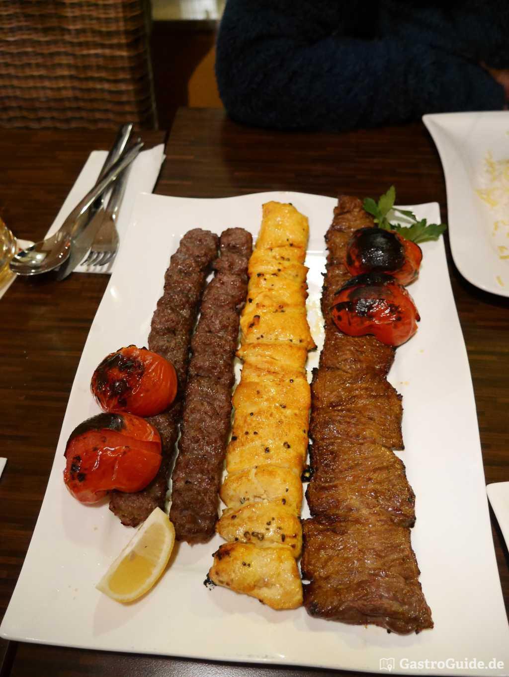 Zur abwechslung persische kuche mit schmackhaften for Grillplatte küche