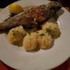 frische Forelle gebraten mit Mandelsplittern, und auf ihren Wunsch mit selbstgemachten Kartoffelbrei für 14,80 €