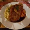 Winterschnitzel vom Hirsch in der Printen-Rosmarin-Kruste gebraten, mit Ingwer-Honig-Möhrchen und Butterspätzle für 15,90 €