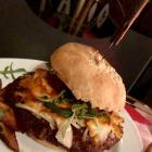 Foto zu Patio Bar und Restaurant: Cheeseburger