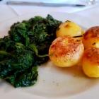 Foto zu Osteria: Sehr frischer, intensiver Spinat, mittelgute Ofenkartoffel (immerhin)
