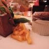 Warm-Kalt-Kombi von der Valrhona-Schokolade mit gepfefferter Ananas