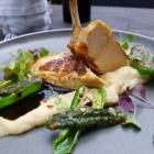 Foto zu Restaurant Alto im Atlantic Grand Hotel: Supreme vom Perlhuhn Pastinakencreme Pimientos de Padron