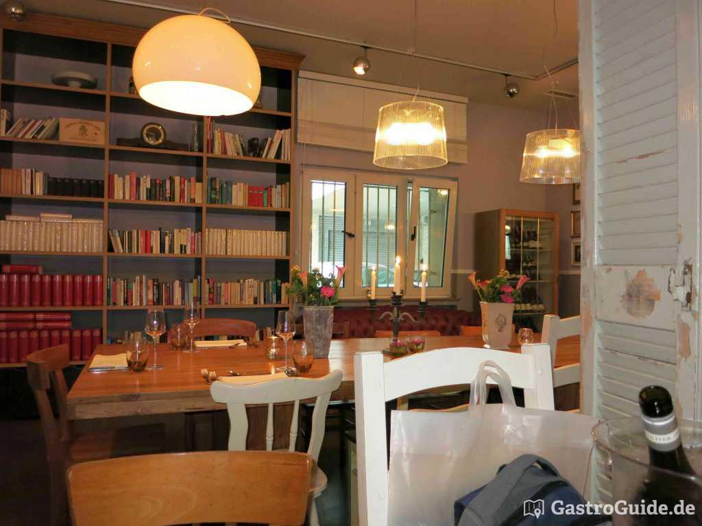 u das restaurant restaurant in 40211 d sseldorf. Black Bedroom Furniture Sets. Home Design Ideas