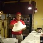 Foto zu Da Mario - Pizzeria im Tennisheim: 27.12.15: Der Teig mit Hingabe geworfen!