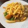 Pilz-Rahmschnitzel mit Pommes und Beilagensalat (10,90€