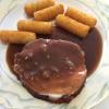 Bratenfleisch mit Soße und wiederum Kroketten