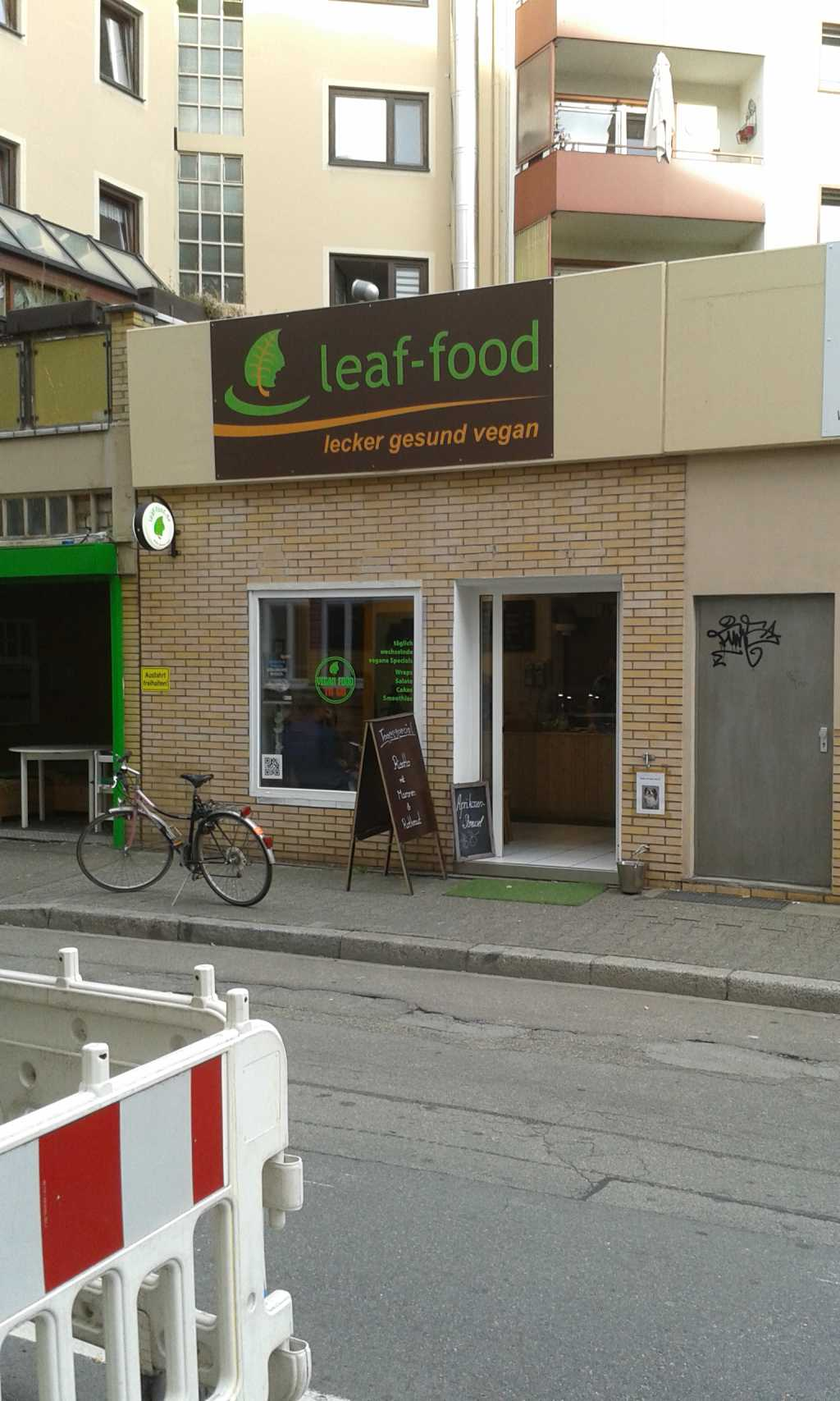 leaf food bistro take away veganes restaurant in 68161 mannheim. Black Bedroom Furniture Sets. Home Design Ideas