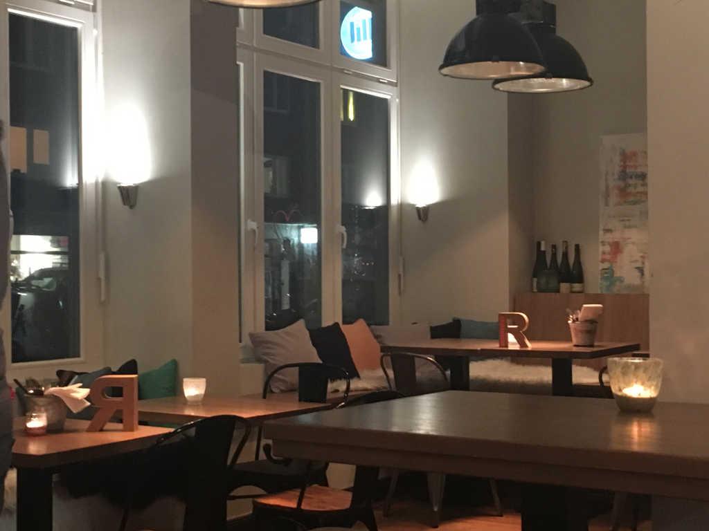 jill restaurant in 20357 hamburg. Black Bedroom Furniture Sets. Home Design Ideas