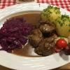 Schweinebäckchen mit Rotkohl und Thüringer Klöße (13,90€)