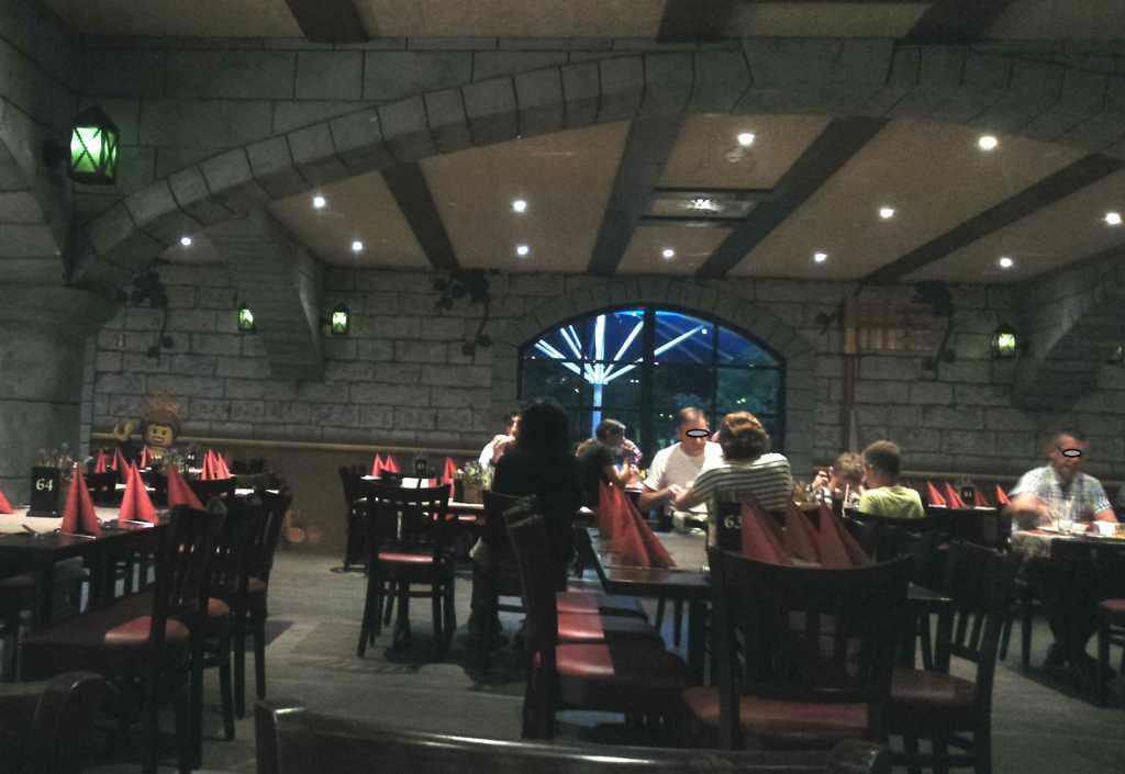 legoland feriendorf zur tafelrunde k nigssch nke restaurant bar ausflugsziel in 89312. Black Bedroom Furniture Sets. Home Design Ideas
