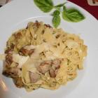 Foto zu Ristorante Pizzeria Trattoria Italia: Bandnudeln mit Filetspitzen Waldpilzen und Parmesanstreifen