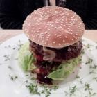 Foto zu Weingarten: Burger mit Chikasha-Soße