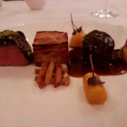 Foto zu Restaurant Weinhaus Uhle: In der Mitte Pommes Anna