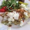 geschmelzte Maultaschen mit Nussbutter, Röstzwiebeln und Parmesanspänen, serviert an bunten Salat   ( 8,90€ )