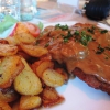 Schnitzel mit Bratkartoffeln