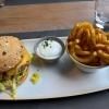 Yucatán Burger mit Vollkorn Bun & Curlies