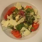 Foto zu Restaurant nikkisch: Erdbeer-Spargel-Salat mit Parmesan