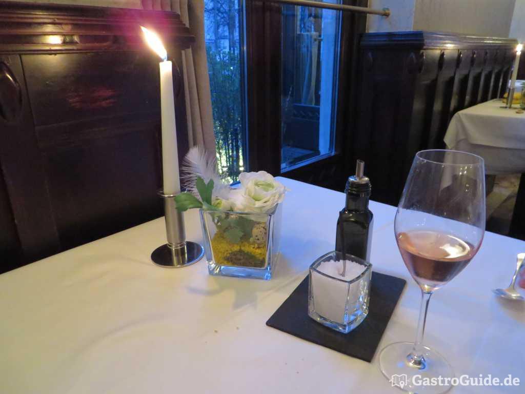 italienische kochkunst bei der man leicht ins schw rmen gastroguide. Black Bedroom Furniture Sets. Home Design Ideas