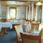 Foto zu Friedrichsfelder Hof: Restaurant   Haupt-Raum