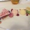 """""""Edel Weiß 40% Schokolade"""" / Rhabarber / Himbeere / Sauerampfer"""