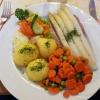 Falsche Zunge mit Spargel, Gemüse und Kartoffeln für 12,60 €