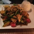 Foto zu Pham's Restaurant Bar: Huhn mit Spargel