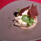 Foto zu Pfaffenberg: Vacherin Mont-d'Or mit Schwarzwurzel, Apfelchutney, Petersilie und Pumpernickel