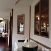 Gastraum mit Blick auf den Innenraum mit Theke