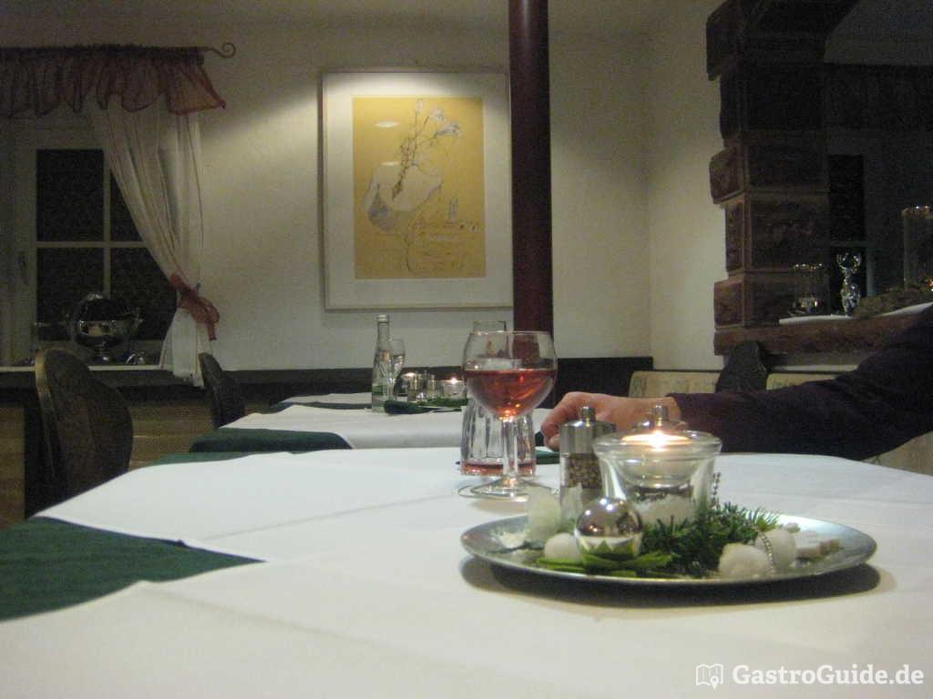gr ner baum restaurant in 71229 leonberg. Black Bedroom Furniture Sets. Home Design Ideas