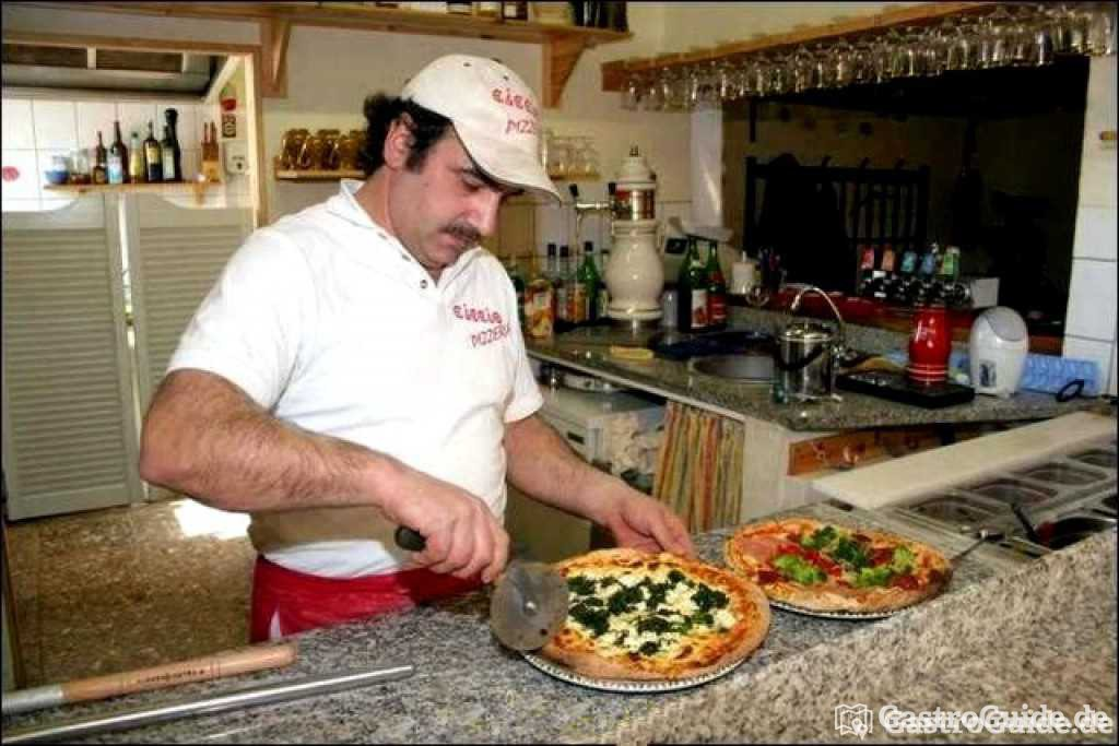 famili r gef hrte pizzeria original italienische gastroguide. Black Bedroom Furniture Sets. Home Design Ideas