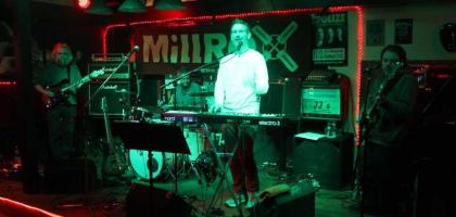 Fotoalbum: MillRoX live im JJ's