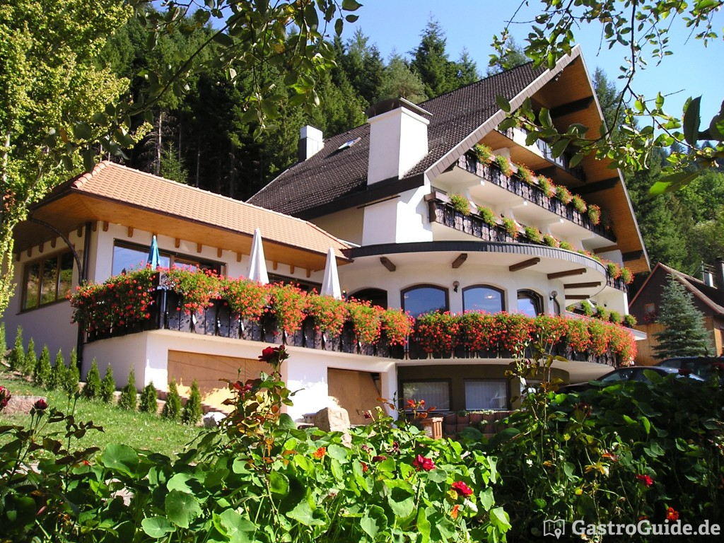 Bild zur Nachricht von Winterhaldenhof  Wander- & Wellnesshotel   Gerhard Sum