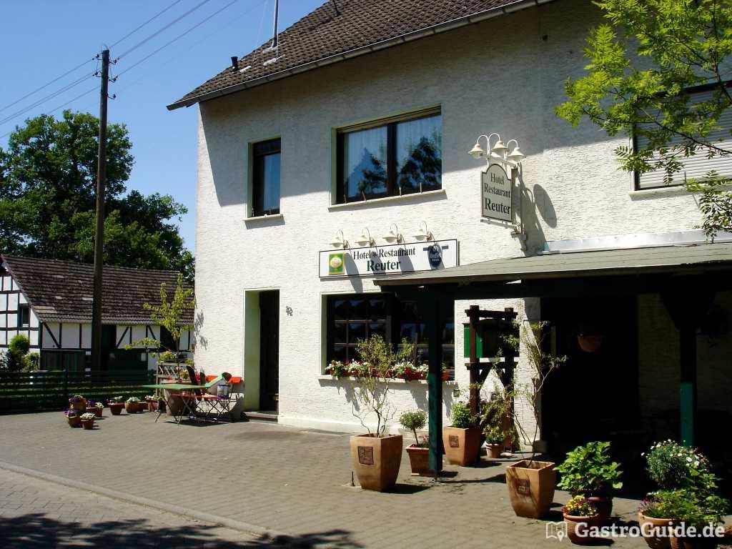 hotel restaurant reuter restaurant hotel biergarten in 53773 hennef. Black Bedroom Furniture Sets. Home Design Ideas
