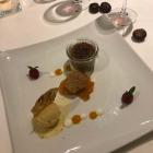 Foto zu Hotel Restaurant Zur Krone: Nougatcreme mit Aprikose und Eis von weißer Schokolade