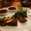Straußen-Filet mit Romanesco in Mandelbutter, Würzspinat, Salsa und BBQ-Sauce