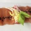 Sashimi vom weißen und Big-Eye-Thunfisch mit Wasabi, Ingwer und knackigem Asiasalat