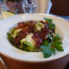 Foto zu Hunsrücker Fass: Knackige Blattsalate mit krossem Hunsrücker Landschinken